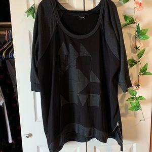 3/4 Sleeve Graphic Sweatshirt